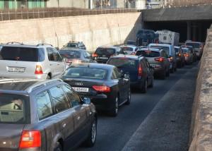 Lyskrysset ved Holmenbrua har påvirket trafikkavviklingen i hele byen.