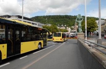 busser gule leddbuss